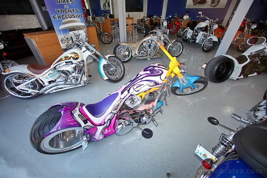 House_of_Thunder_USA_Motorcycles_08.JPG