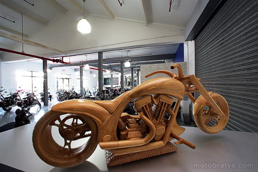 House_of_Thunder_USA_Motorcycles_21.jpg